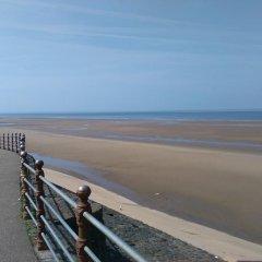 Edward Hotel пляж