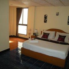 Отель Patong Rose Guesthouse 2* Улучшенный номер с различными типами кроватей