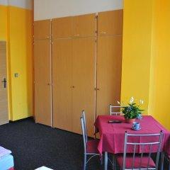 Hostel Alia Стандартный номер с различными типами кроватей (общая ванная комната) фото 10