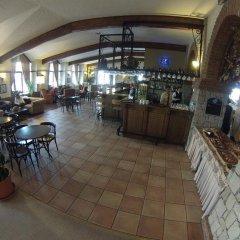 Отель Beceren Café питание