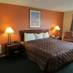 Отель Days Inn Elk Grove Village Chicago OHare Airport West Стандартный номер с различными типами кроватей