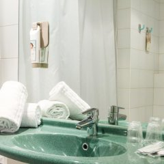 Отель ibis Porto Sao Joao 2* Улучшенный номер с различными типами кроватей фото 6