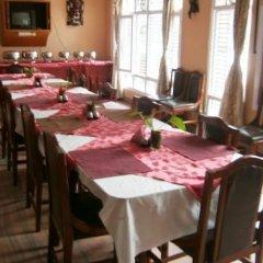 Отель Amar Hotel Непал, Катманду - отзывы, цены и фото номеров - забронировать отель Amar Hotel онлайн питание фото 2