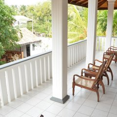 Отель Surf Villa Шри-Ланка, Хиккадува - отзывы, цены и фото номеров - забронировать отель Surf Villa онлайн балкон