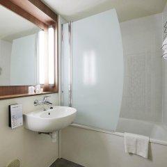 Отель Kyriad PARIS NORD Ecouen La Croix Verte ванная фото 2