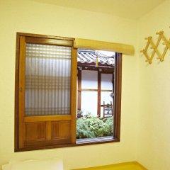 Отель Mumum Hanok Guesthouse 3* Стандартный номер с двуспальной кроватью фото 2