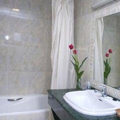 Hotel Avenida Сакс ванная