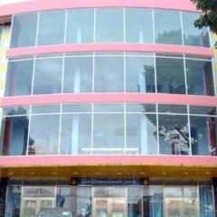 Hotel CF Lashio - Burmese Only спортивное сооружение