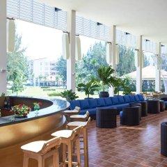 Отель Centara Sandy Beach Resort Danang гостиничный бар