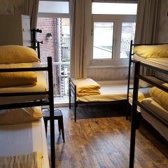 Amigo Budget Hostel Кровать в общем номере с двухъярусной кроватью фото 3
