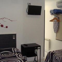 Отель Hostal JQ Madrid 1 Стандартный номер с двуспальной кроватью фото 2