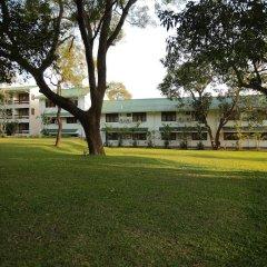 Отель Lakeside At Nuwarawewa Анурадхапура фитнесс-зал