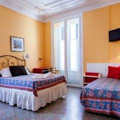 Отель Hostal Pensio 2000 комната для гостей фото 4