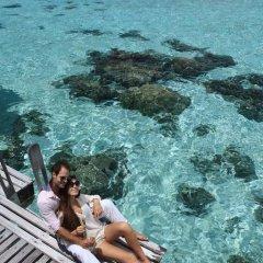 Отель Hilton Moorea Lagoon Resort and Spa 5* Бунгало с различными типами кроватей фото 12