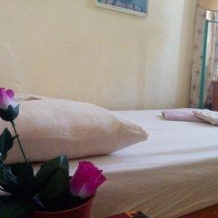 Momos Hostel Стандартный номер с двуспальной кроватью фото 2