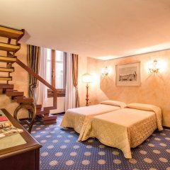 Отель Croce Di Malta Hotel Италия, Флоренция - 8 отзывов об отеле, цены и фото номеров - забронировать отель Croce Di Malta Hotel онлайн комната для гостей фото 2