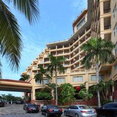 Sanya Golden Phoenix Sea View Hotel парковка