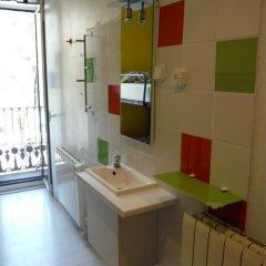 Отель Pensión Palacio Испания, Барселона - отзывы, цены и фото номеров - забронировать отель Pensión Palacio онлайн ванная фото 2