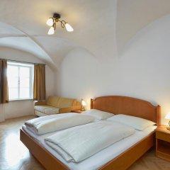 Отель Goldene Krone 1512 3* Стандартный номер фото 7