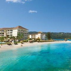 Отель Secrets Wild Orchid Montego Bay - Luxury All Inclusive Ямайка, Монтего-Бей - отзывы, цены и фото номеров - забронировать отель Secrets Wild Orchid Montego Bay - Luxury All Inclusive онлайн пляж фото 2