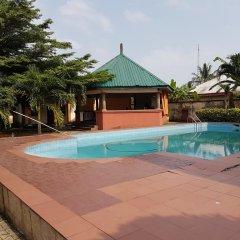 Отель Mangel Hotel And Suites Нигерия, Калабар - отзывы, цены и фото номеров - забронировать отель Mangel Hotel And Suites онлайн бассейн