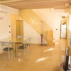 Отель Ca' dei Mercanti Италия, Венеция - отзывы, цены и фото номеров - забронировать отель Ca' dei Mercanti онлайн интерьер отеля фото 2