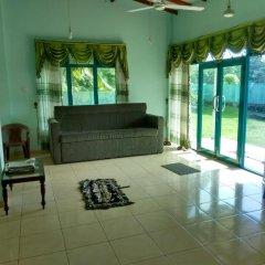 Отель Sunrise Beach Inn Шри-Ланка, Пляж Golden Mile - отзывы, цены и фото номеров - забронировать отель Sunrise Beach Inn онлайн комната для гостей фото 4