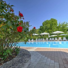 Отель Flaminio Village Bungalow Park Италия, Рим - 3 отзыва об отеле, цены и фото номеров - забронировать отель Flaminio Village Bungalow Park онлайн бассейн