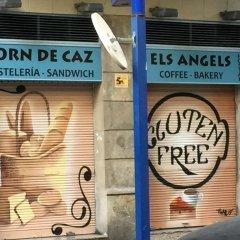 Отель Els Angels Hostal Барселона городской автобус