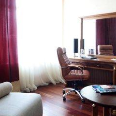 Гостиница Crowne Plaza Minsk 5* Стандартный номер двуспальная кровать фото 9