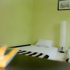 Baan Nampetch Hostel Стандартный номер с 2 отдельными кроватями (общая ванная комната) фото 2