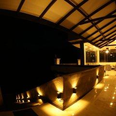 Отель Us Holiday Resort гостиничный бар