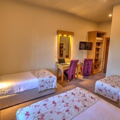The Lucan Spa Hotel 3* Стандартный семейный номер с различными типами кроватей фото 6