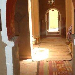 Отель Riad Tagmadart Ferme D'hôte Марокко, Загора - отзывы, цены и фото номеров - забронировать отель Riad Tagmadart Ferme D'hôte онлайн интерьер отеля фото 2