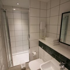 Queens Hotel 3* Улучшенный номер с различными типами кроватей фото 9