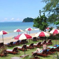 Отель Royal Lanta Resort & Spa Таиланд, Ланта - 1 отзыв об отеле, цены и фото номеров - забронировать отель Royal Lanta Resort & Spa онлайн пляж фото 2