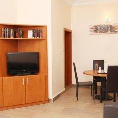 Апартаменты Bolton White Hotels and Apartments комната для гостей фото 5