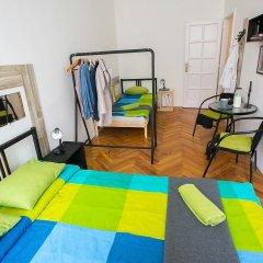 Friends Hostel and Apartments Budapest Стандартный номер фото 4