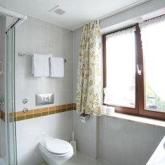 Hotel Garni Zum Gockl Унтерфёринг ванная фото 2