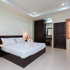 Отель Bangtao Kanita House 2* Улучшенный номер с двуспальной кроватью фото 4