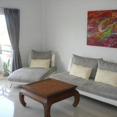 Апартаменты Naiharn Beach Road Apartment комната для гостей фото 3
