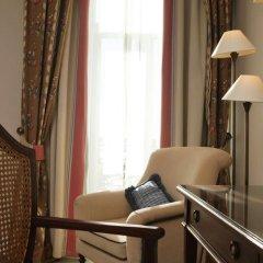 Отель As Janelas Verdes, a Lisbon Heritage Collection 4* Улучшенный номер с двуспальной кроватью фото 7