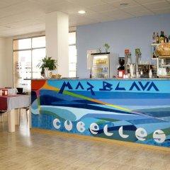 Отель Apart-hotels Mar Blava Кунит гостиничный бар