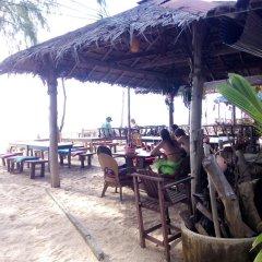 Отель Funky Fish Bungalows Таиланд, Ланта - отзывы, цены и фото номеров - забронировать отель Funky Fish Bungalows онлайн питание