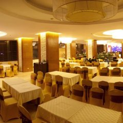 Muong Thanh Grand Ha Long Hotel 4* Номер Делюкс с различными типами кроватей фото 10