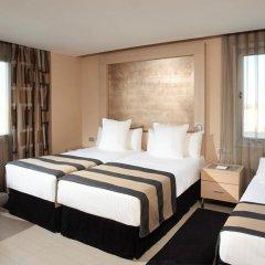 Отель Melia Sevilla 4* Стандартный семейный номер с 2 отдельными кроватями фото 2