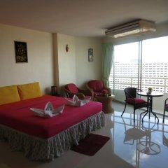 Апартаменты View Talay 1b Serviced Apartments Паттайя комната для гостей