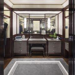 Hotel The Peninsula Paris 5* Улучшенный номер с различными типами кроватей фото 6