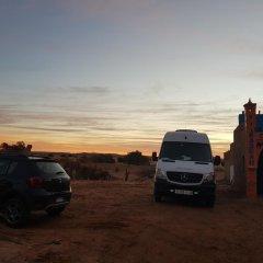 Отель Khasbah Casa Khamlia Марокко, Мерзуга - отзывы, цены и фото номеров - забронировать отель Khasbah Casa Khamlia онлайн парковка
