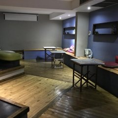Отель Safestay Passeig de Gracia гостиничный бар